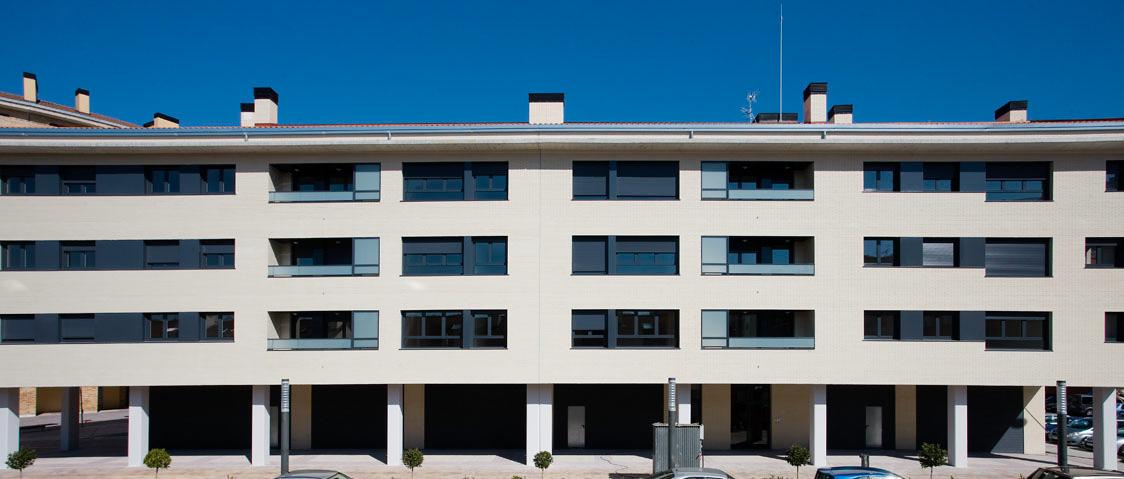 21 VPO, locales y garajes en Ansoain (Navarra)